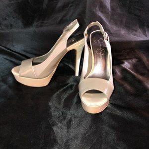 Jessica Simpson tan high heel shoes size 7.5